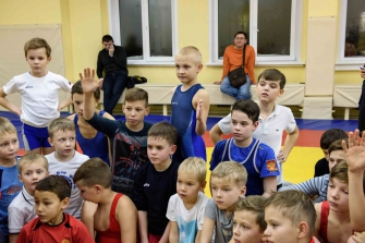 Тренировка Романа Власова в секции борьбы, лицей №13, п. Краснообск
