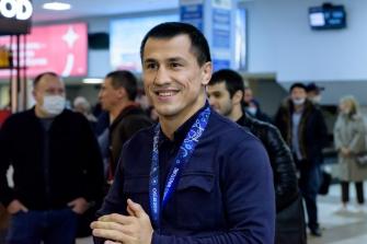 Встреча Романа Власова в аэропорту Толмачёво (Новосибирск) с чемпионата мира-2021 (13.10.2021)_9