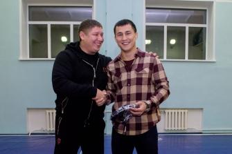 Роман Власов поздравил с наступающим Новым годом участников проекта «Спортивная борьба», 25.12.2017